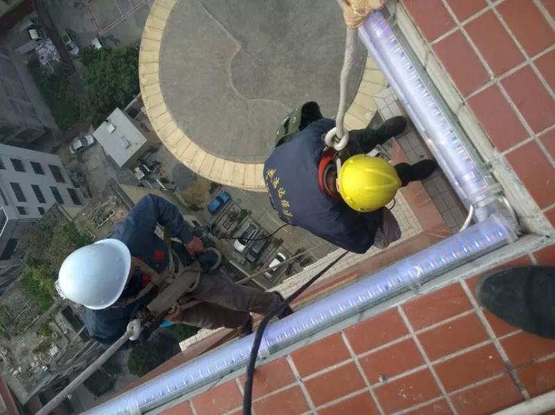 钦州防城北海高空作业公司—外墙清洗,高空防水-中福公司