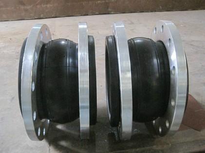 可定做各种型号橡胶接头的厂家qq99451373