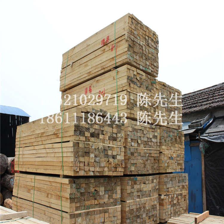 辐射松方木订做辐射松工程木方加工辐射松枕木现货供应