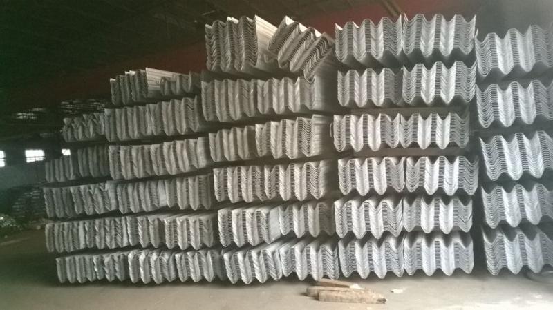 临汾波形梁护栏板生产厂家