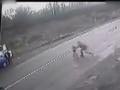 全球TV: 在小孩即将被车撞到那一瞬间看到父亲举动泪奔 (11765播放)