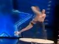 """全球TV:男女台上表演太""""狂野""""台下观众尖叫连连 (5369播放)"""