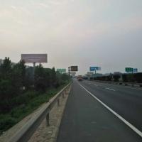 济南至青岛潍坊段济青高速单立柱广告对牌