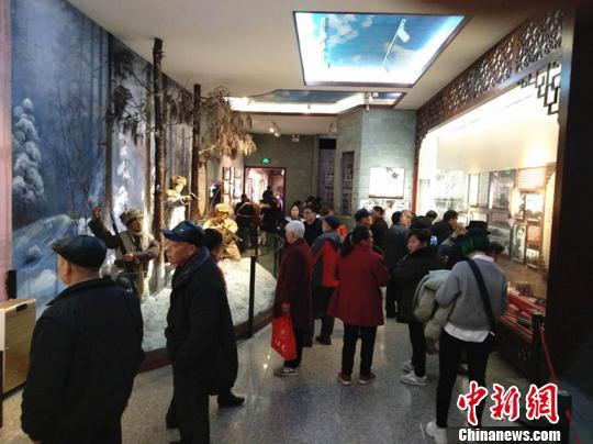 """四川宜宾:7万余游客赵一曼纪念馆体验""""红色旅游"""""""