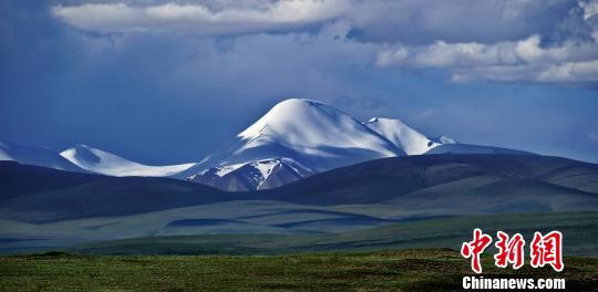 """昆仑山将建国家公园地处中国西北被誉""""万山之祖"""""""
