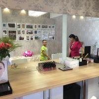 定制美容院美容镜LED灯镜壁挂式化妆镜美发镜(招代理加盟)