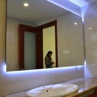 定制浴室防雾镜智能LED浴室镜酒店智能卫浴灯镜(招代理加盟)