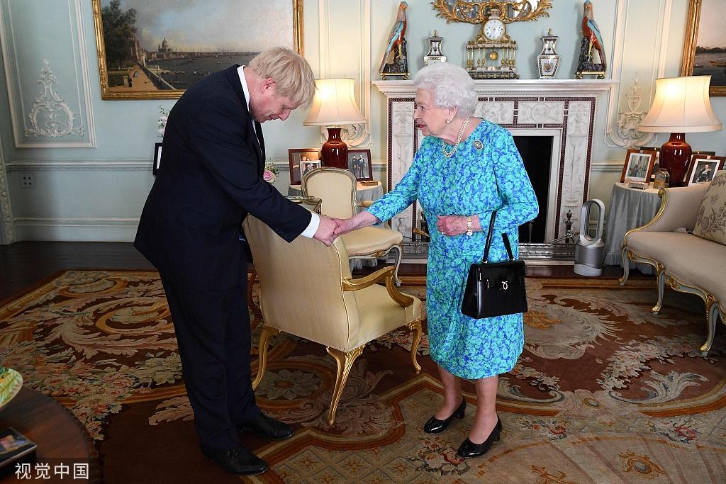英国女王被曝吐槽脱欧公投后政治家治理无能