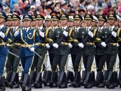 全球国庆频道:中国国庆70周年阅兵进行预演 军队改革后首次集中亮相