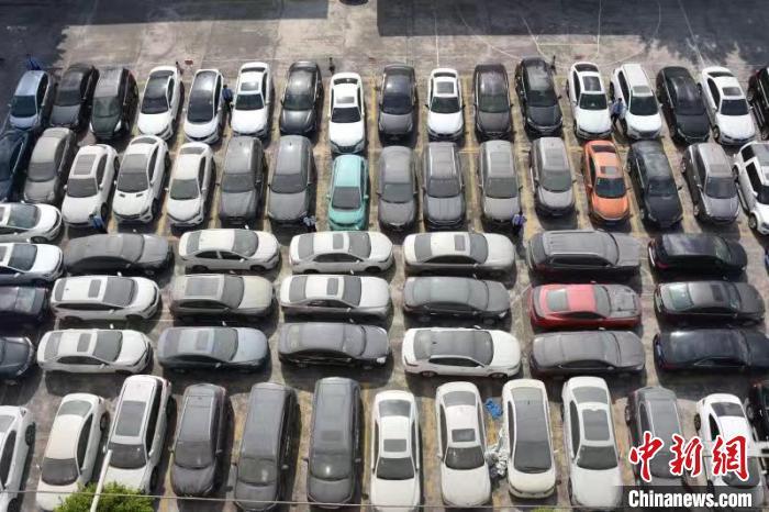 云浮市云安区公安机关缴获的涉案车辆。 曾颂殷 摄