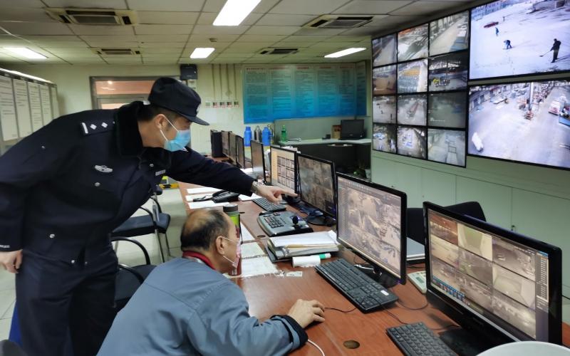 警方正在调取监控录像。警方供图