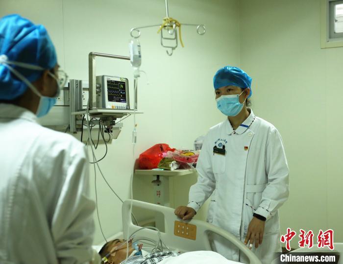 广西援鄂护士:我不是英雄救死扶伤是本职